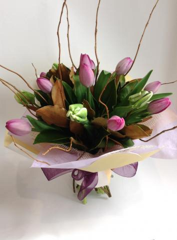 Large Hand Tied Tulip Bouquet